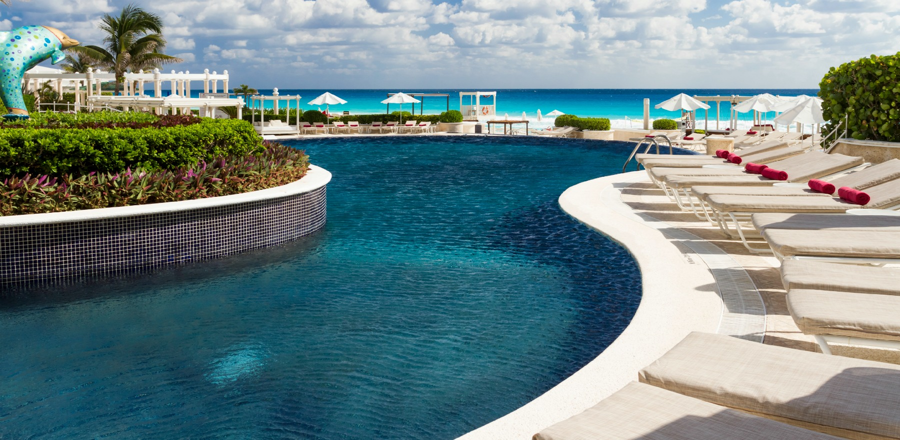 Sandos-Cancun-Luxury-Resort-pool