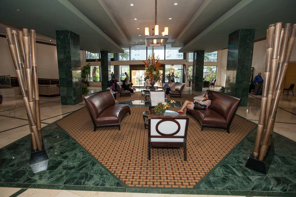 casa-blanca-lobby-3