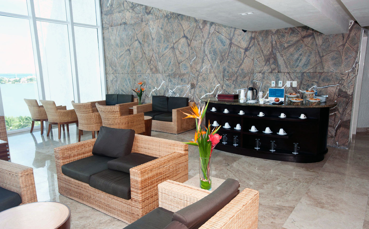 sky-lounge-v4388445
