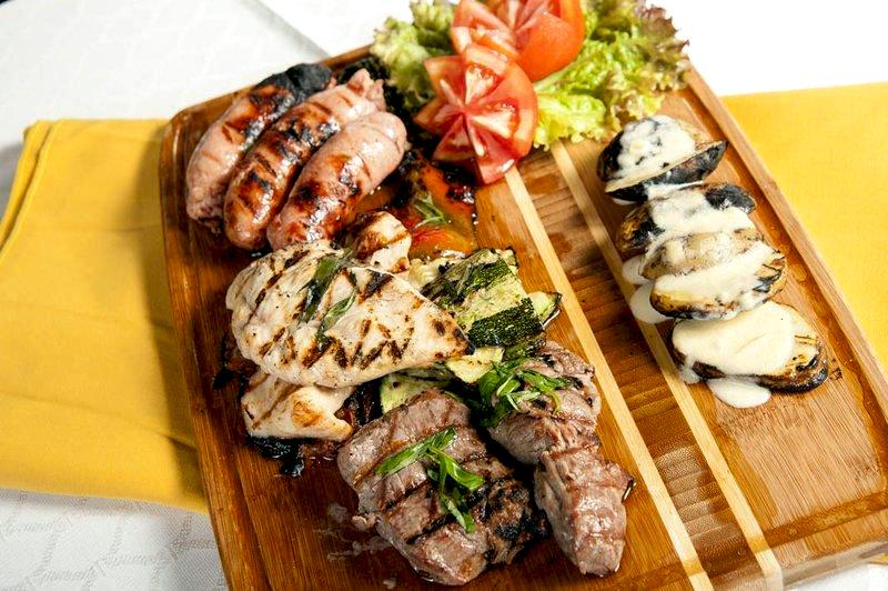 villas-sol-hotel-food